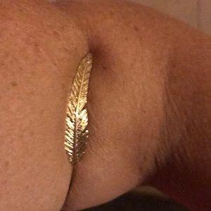 Aeo angel wing bracelet